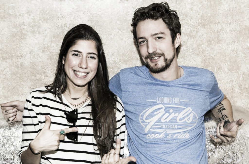 Frank Turner looking sexy in our Longboard Girls Crew t-shirt. Pic Karlos Sanz.