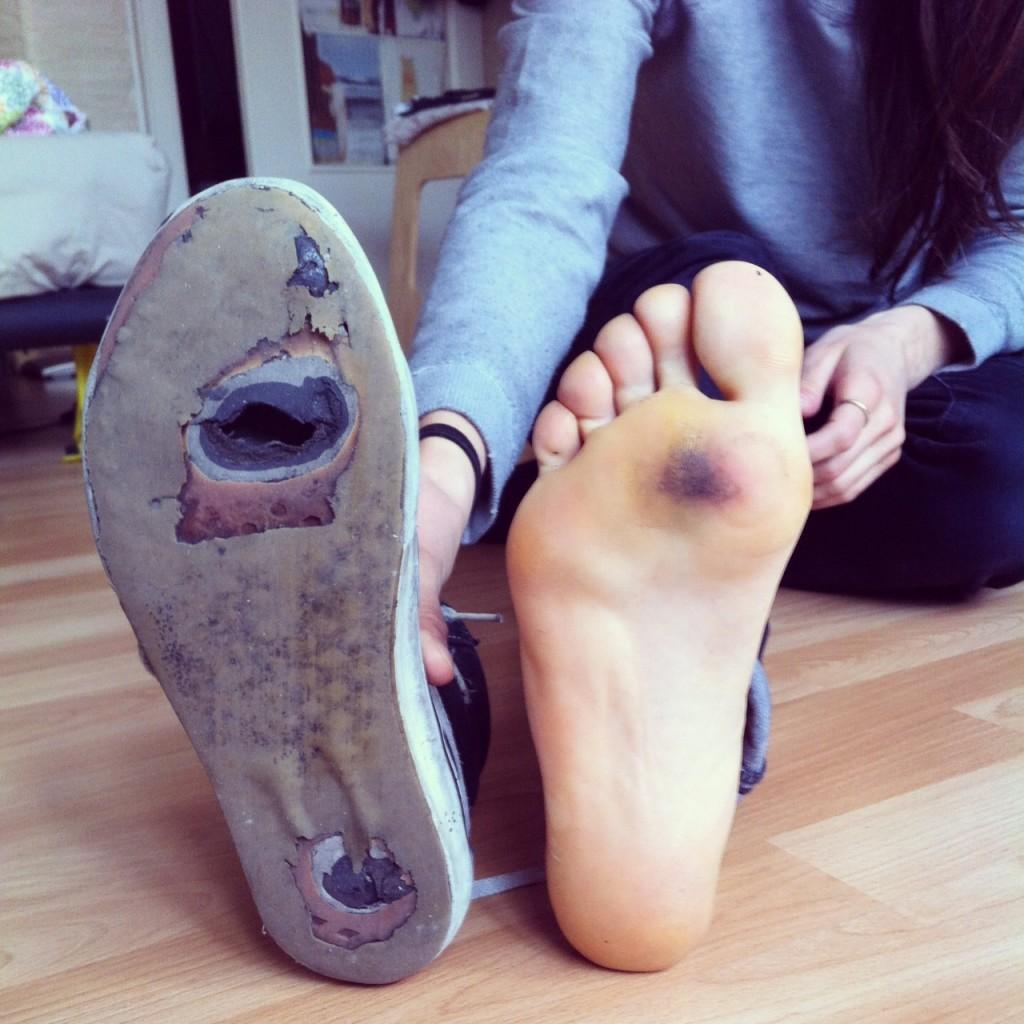 Valeria Kechichian, Longboard Girls Crew, vans, shoe, hole, skate, longboard