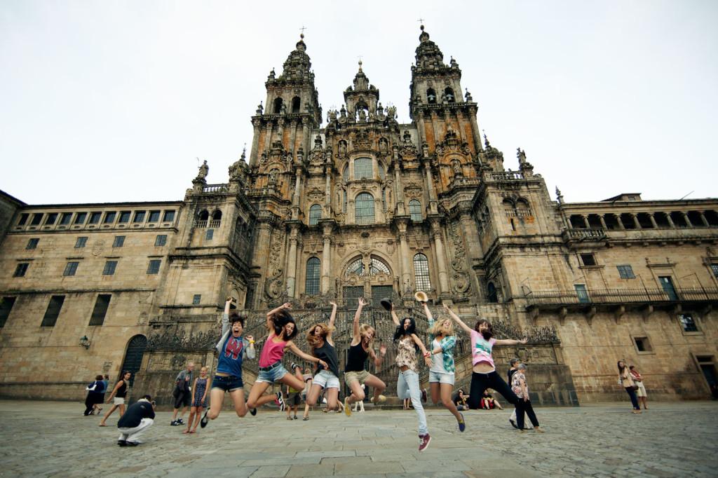 Longboard Girls Crew, Endless Roads, Costa Da Morte, Santiago de Compostela