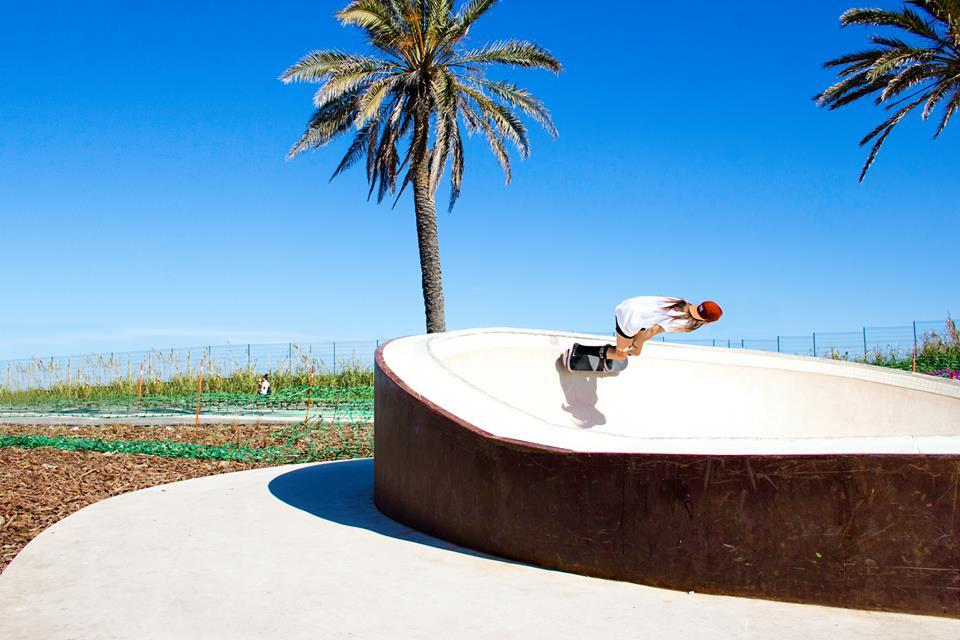 Andrea Wilshusen, barcelona, skate, skatepark, longboard girls crew