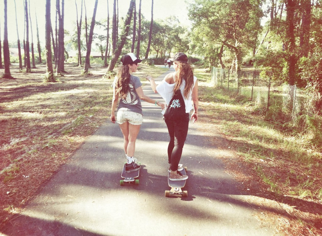 sector 9 europe, longboard girls crew, cruise, cruising, France, fun, friends, fun, longboard, skate, hot, friendship, Valeria Kechichian, janine la franca, love