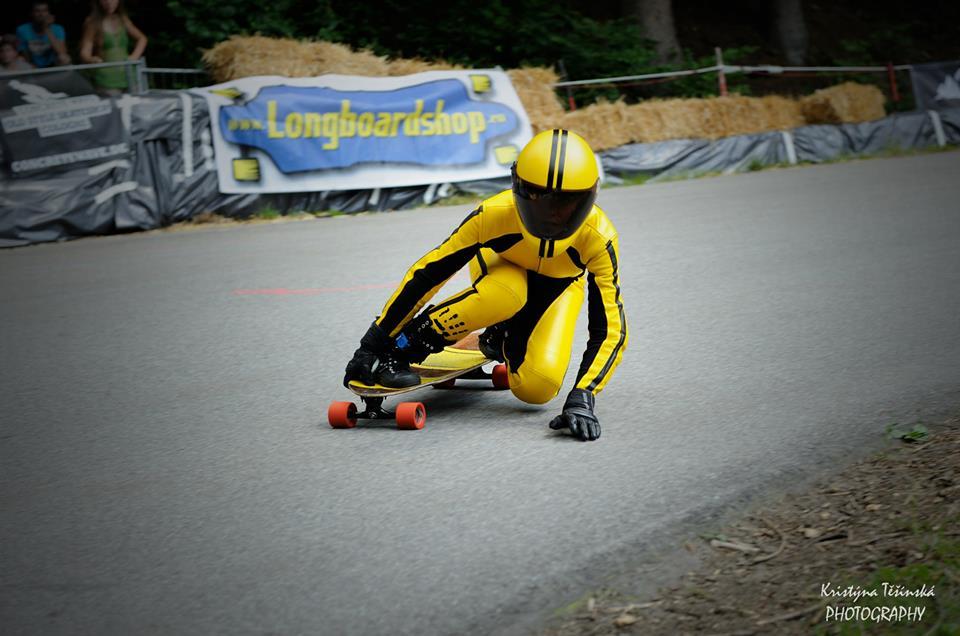 longboard girls crew, longboard, girl, downhill, almabtrieb, idf, race, badass, Dana Schitter