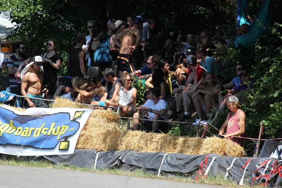 longboard girls crew, longboard, girl, downhill, idf, race, badass, almabtrieb
