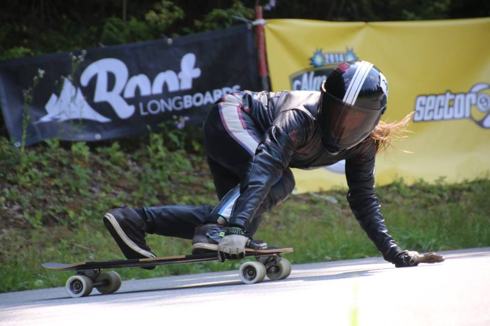 longboard girls crew, longboard, girl, downhill, almabtrieb, idf, race, badass, anna pixner
