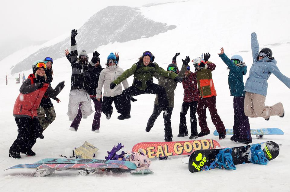 Workshop WIB, women in boardsports, valeria kechichian, longboard, longboard girls crew, friends, switzerland, snowboard, burton, donna carpenter, saas fee, snow, fun