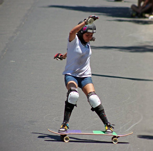 Jandy Cayunao, chile, longboard girls crew, skate, freeride, rad, cool, fast, slide, girl, longboarding