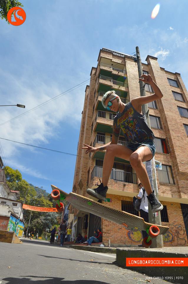 longboard girls crew, colombia, carolina ortiz, dancing, freestyle, salto, jump, cool, rad, skate, longboarding longboard, bogota, longboard colombia