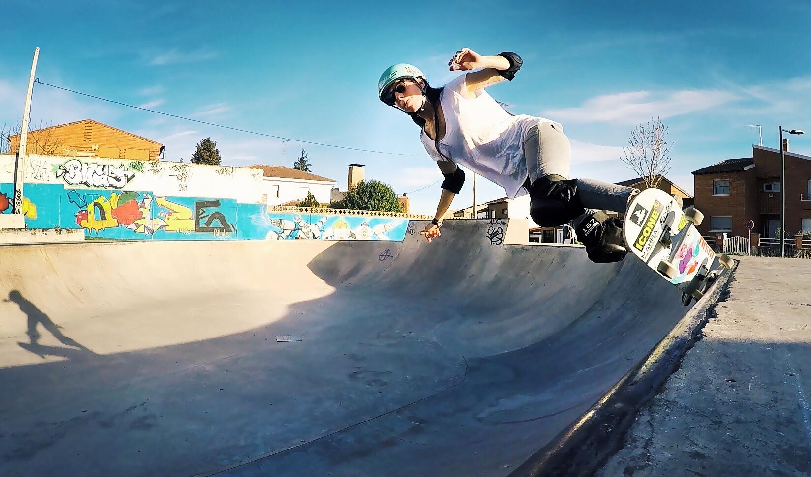 valeria kechichian, longboard girls crew, skate, skateboarding, cool, rad, strong women, longboarding, bowl, vans, hoopla skate, concrete wave skateshop, hawgs wheels, xs helmets, nnim