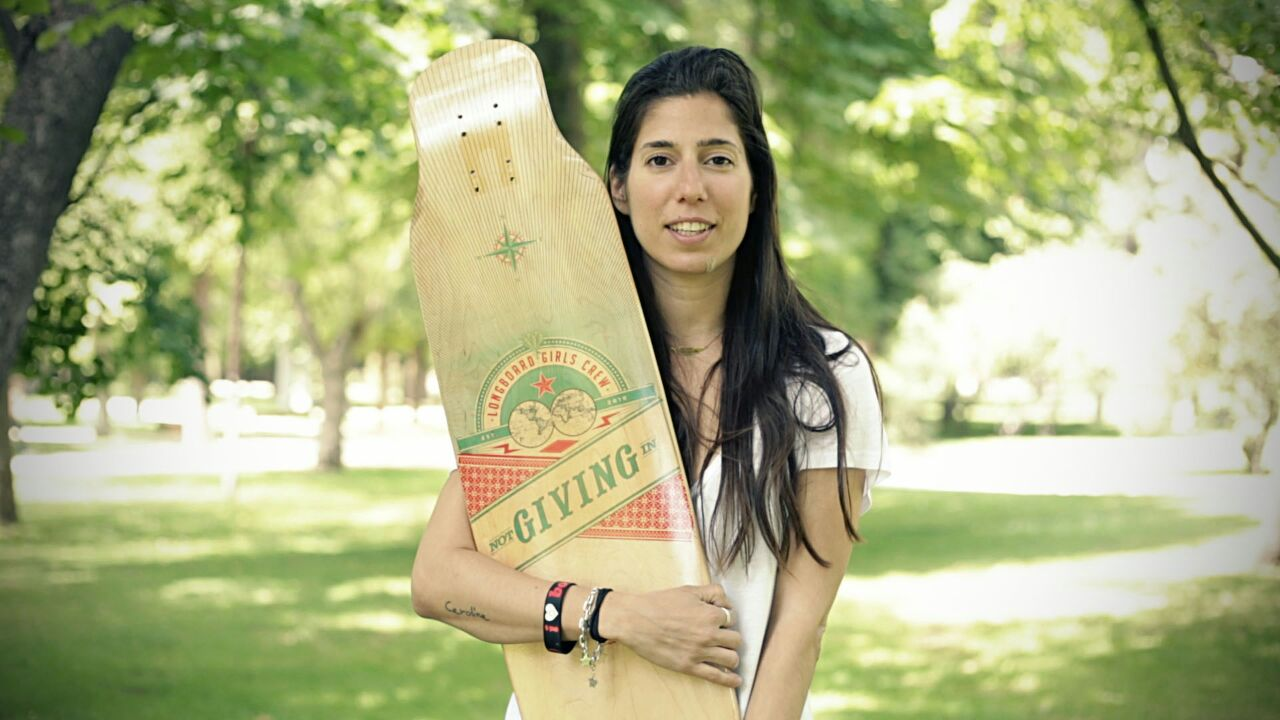 longboard girls crew, longboarding, skateboarding, skate, valeria kechichian, cool, rad, style, summer, strong women, women support, inspiration, change, work, values, deck, boards, noelia otegui, icone longboards, concrete wave skateshop, cologne, madrid, spain, retiro,