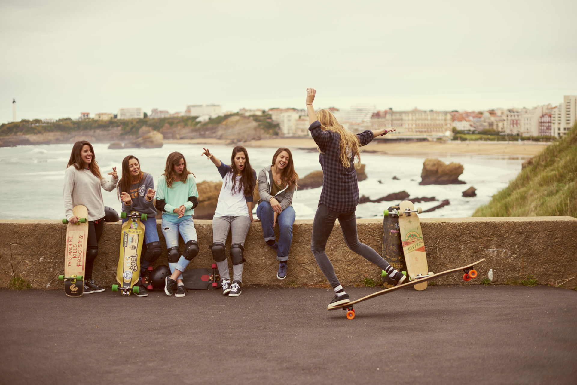 longboard girls crew, bouygues, telecom, france, longboarding, skateboarding, skate, girls, women, strong, rad, cool, magnifique, cool ads, advertisement, ishtar backlund, valeria kechichian, lyde begue, noelia otegui, femke bosma, eider walls, ty evans, theo gosselin, BETC, Paris, Phantasm, production, pyrenees, downhill, biarritz, surf, beach summer, friends, friendship, sun, sunset, crazy