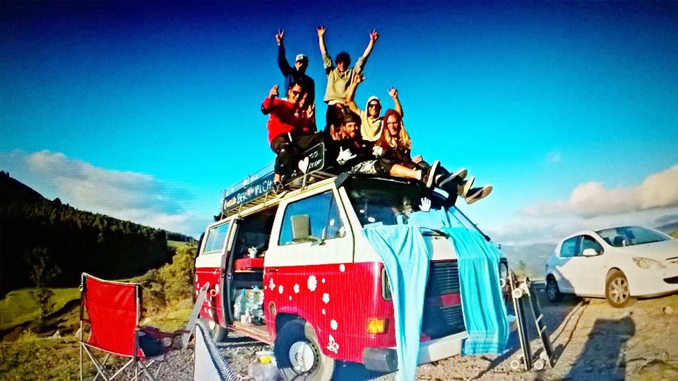longboard girls crew, longboarding, skate, skateboarding, skater girl, vw van, road trip, anna pixner, jenny schauerte, spain, españa, viaje, trip, cool, rad, women, skate like a girl, friends, friendship