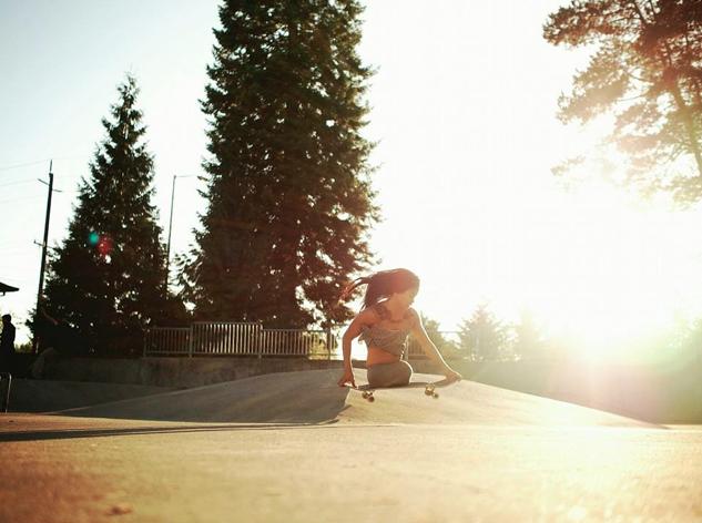 longboard girls crew, skate, skateboarding, longboarding, carver, kenya sesser, venice, venice beach, california, palm trees, skatepark, cool, rad, inspiration, inspirational, no less, no limits, legless, skater, girl, woman, courage, strong, rad, cool, sun, summer