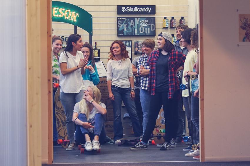 longboard girls crew, longboarding, skate, skateboarding, girls meet, women, girl stoke, women supporting women, skate like a girl, rad events, cool, rad, awesome, fun, friends, amazing, style, boards, fun, skullcandy, chixxs on board, valeria kechichian, lgc, girls who shred, zurich, switzerland, open, open movie, premiere, israel, lgc skates israel,