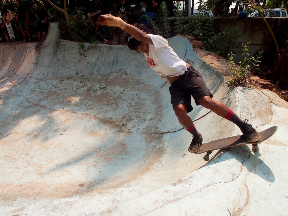 longboard girls crew, longboarding, skate, skateboarding, girls skate india, india, skate like a girl, teach, work for change, cool, rad, beauty, real, women, girl, girls, indian girls, skaters, female skateboarding, girl skater, help, Atita Verges, tedx, ted talks